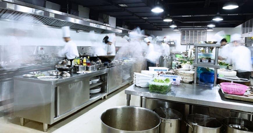 lắp đặt thiết bị bếp inox công nghiệp