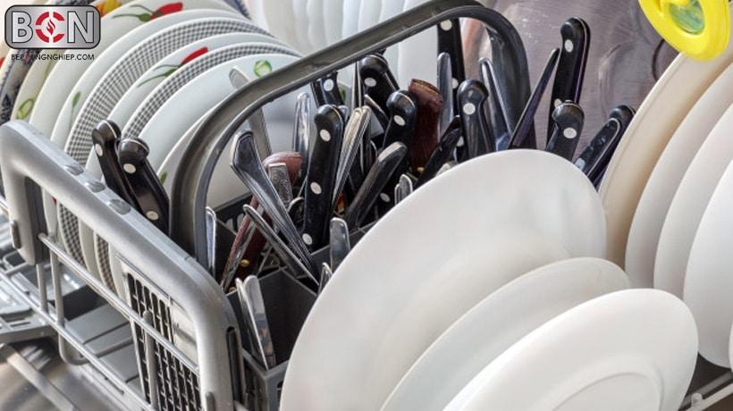 máy rửa chén bát công nghiệp nhà hàng